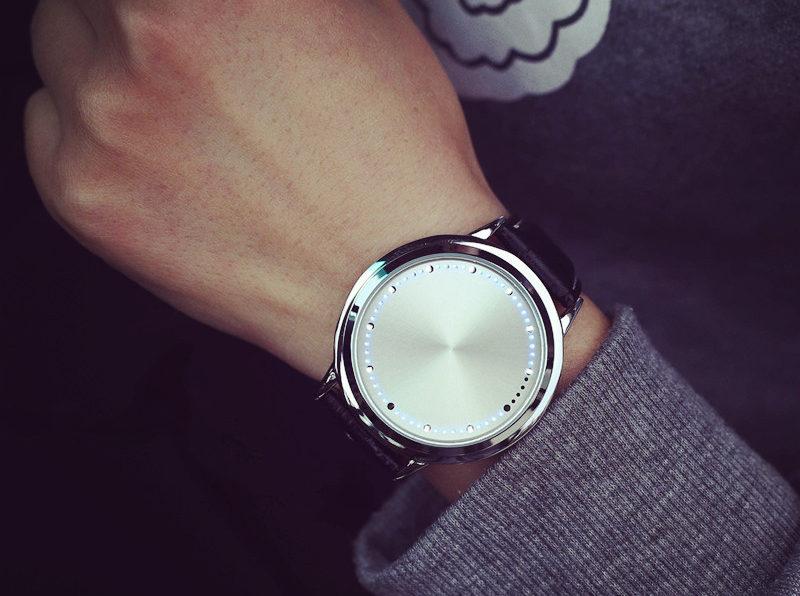 Poszukiwania odpowiedniego zegarka damskiego
